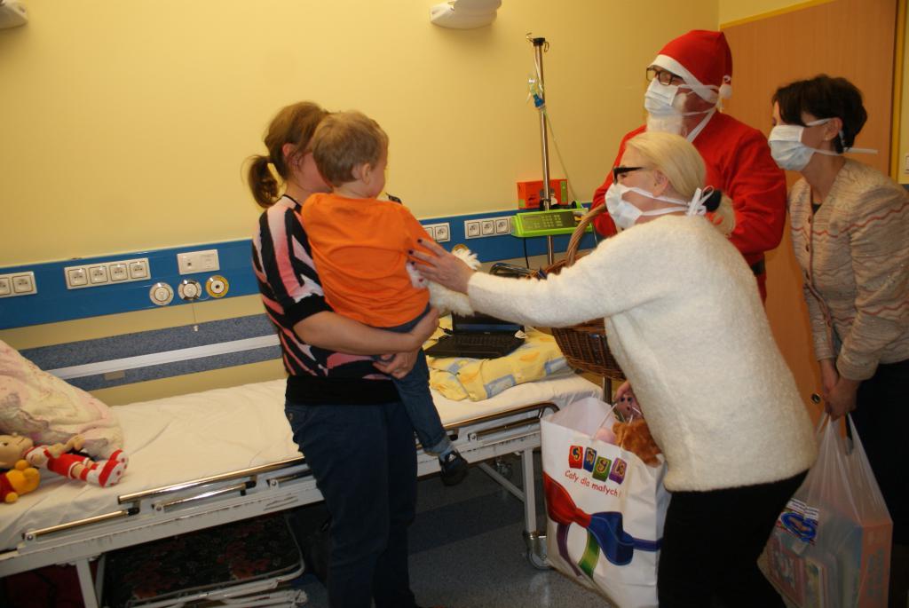 Mikołaj  w Centrum Zdrowia Dziecka